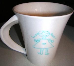 tasse porcelaine dessin petite fille